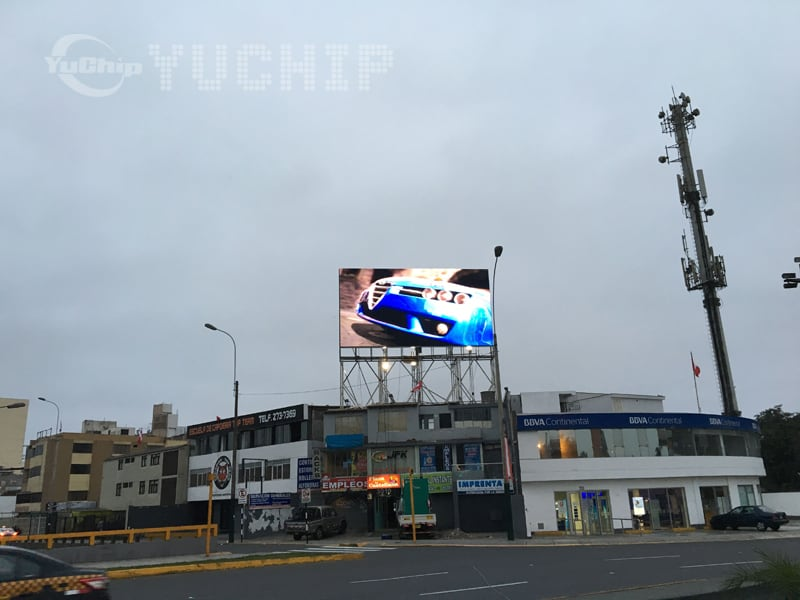 3. YUCHIP-Outdoor-P20-Commercial-LED-Display-In-Peru