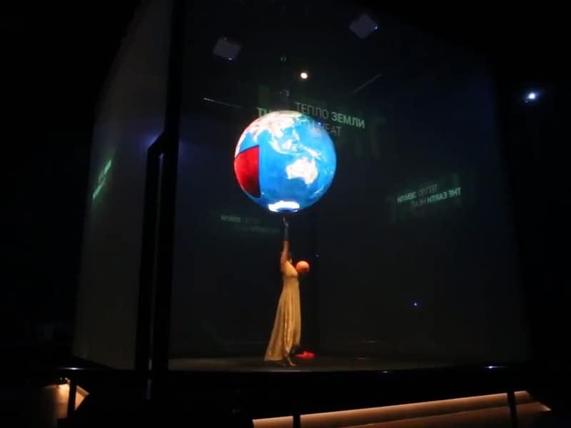 P4.8-LED-Sphere-Display-From-YUCHIP-in-Expo2017Astana 4