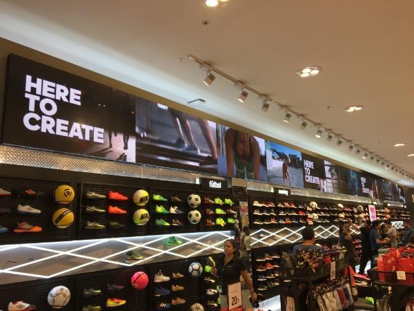 Digital Storefront Signs