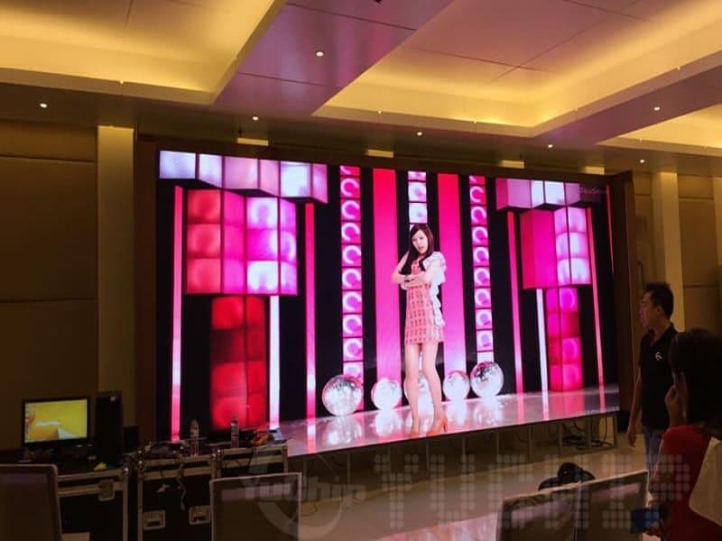LCD vs LED Projector